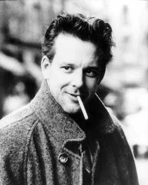 mickey-rourke-showbiz