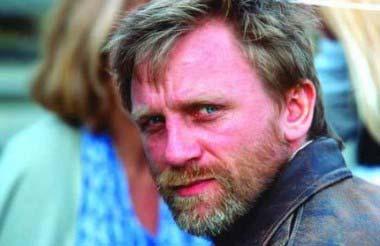 BEARD Daniel Craig